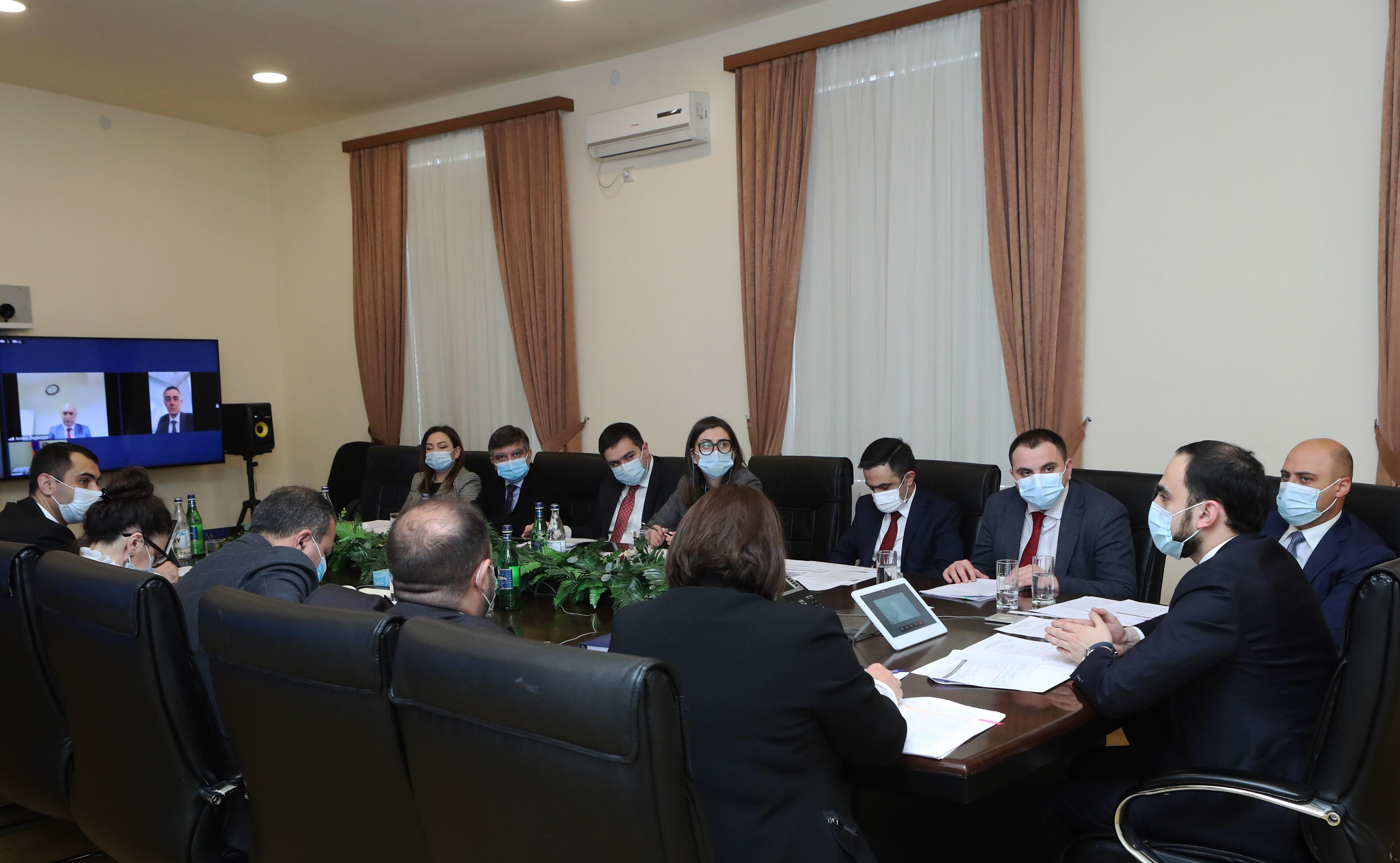 Photo of Փոխվարչապետը տեսակոնֆերանս է անցկացրել Եվրասիական զարգացման բանկի ներկայացուցիչների հետ