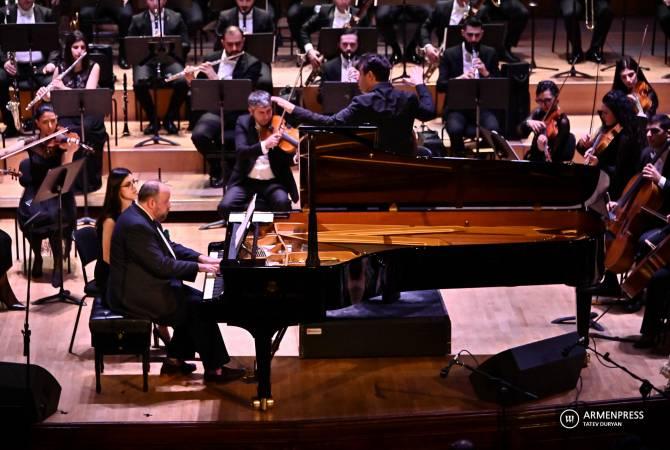 Photo of Առնո Բաբաջանյանին նվիրված համերգին Սիմֆոնիկ նվագախումբը հնչեցրեց կոմպոզիտորի լավագույն գործերը