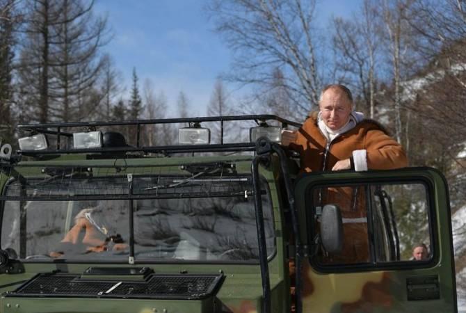 Photo of Президент и министр обороны России проводят выходные в сибирской тайге