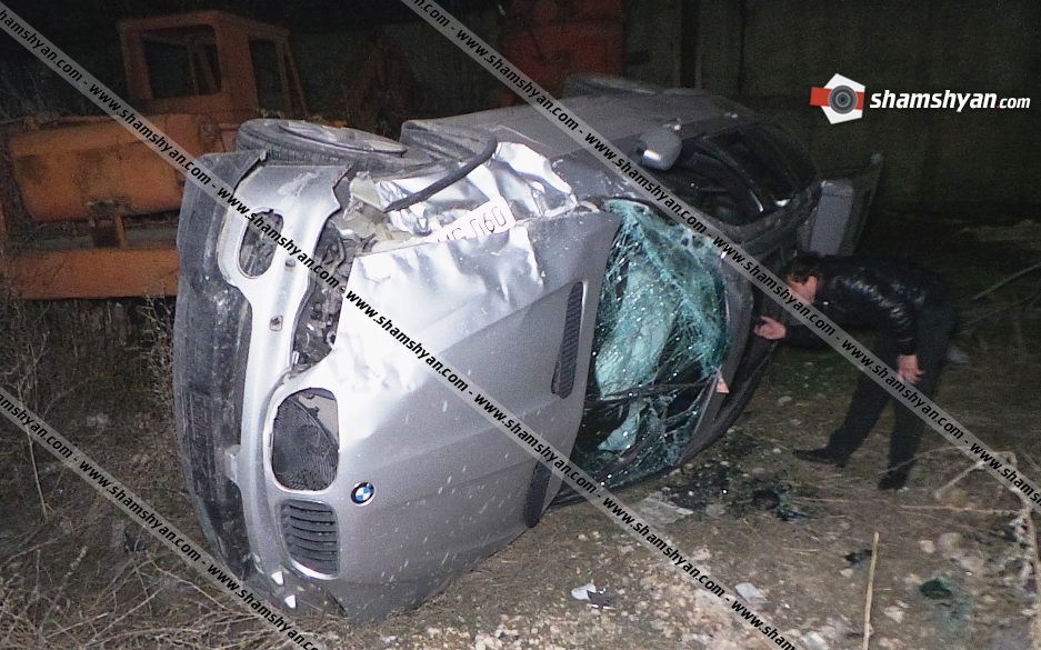 Photo of Կասկադյորական ավտովթար Երևանում. Ալվարդ Վարդանյանը BMW-X5-ով բախվել է երկաթե ճաղավանդակին և 4 մետր բարձրությունից ընկել ներքեւ