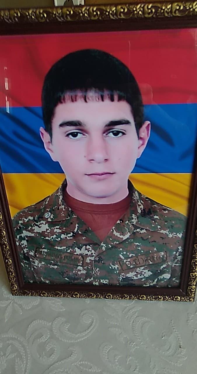 Photo of «Բանակից կգամ, գյուղի սկզբում տուն եմ սարքելու, որ բոլորն իմանան, որ դա իմ տունն է». շիրակցի հերոսը զոհվեց հանուն հայրենիքի