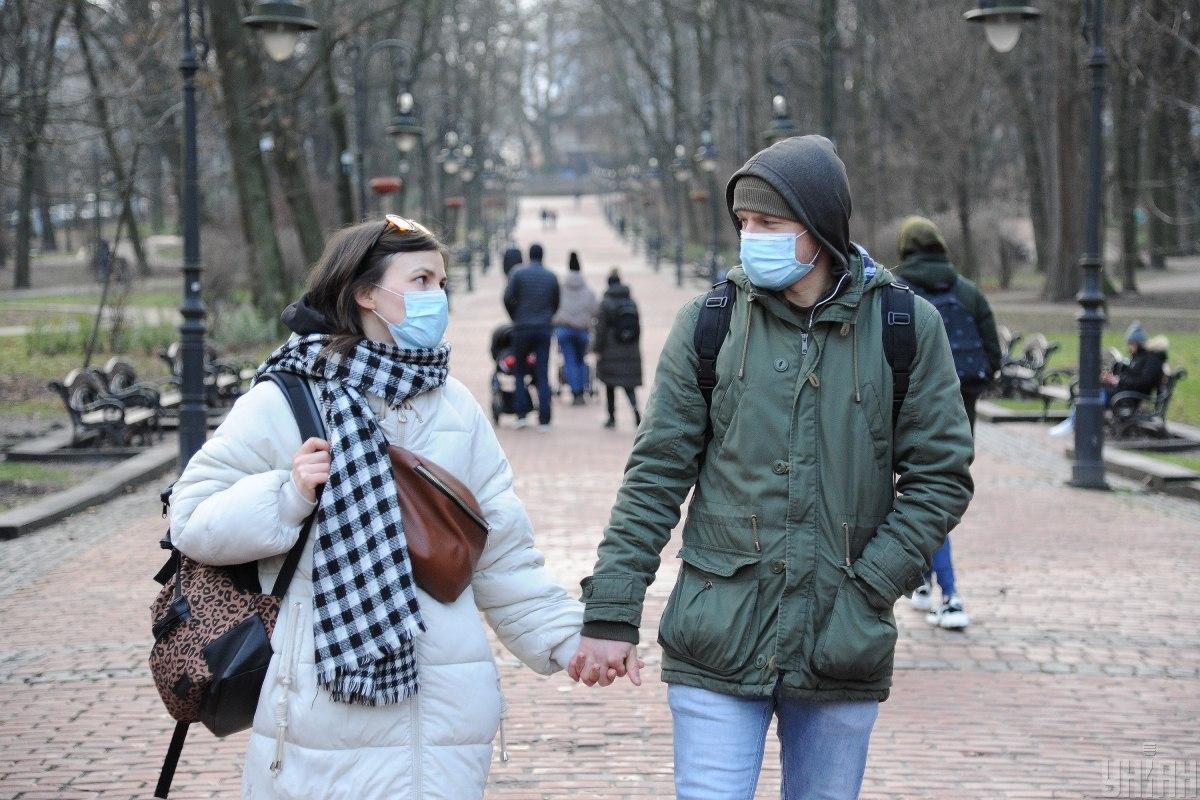 Photo of Правительство обязало в «красной зоне» носить защитную маску на улицах и в парках