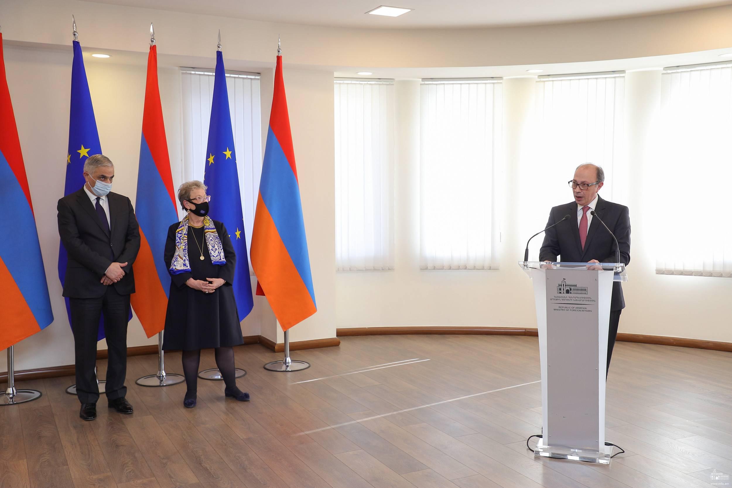 Photo of ՀՀ-ԵՄ Համապարփակ և ընդլայնված գործընկերության համաձայնագրի ուժի մեջ մտնելուն նվիրված միջոցառում ԱԳՆ-ում