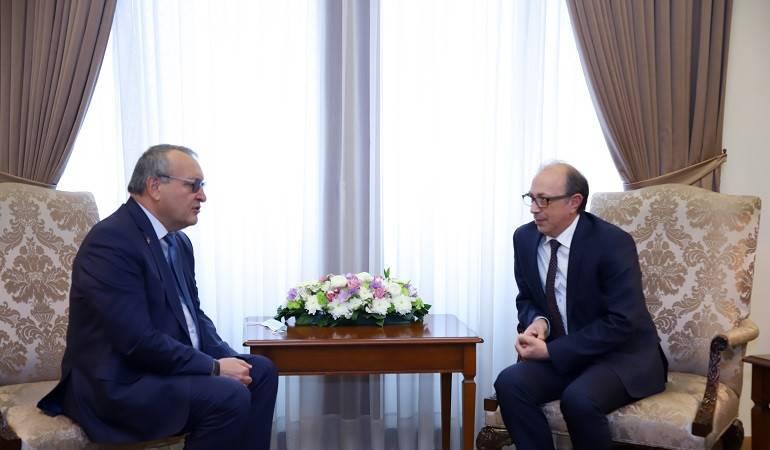Photo of Председатель Национального собрания Арцаха в Ереване встретился с главой МИД Армении