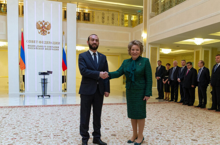 Photo of Արարատ Միրզոյանը Վալենտինա Մատվիենկոյին պարգևատրել է ՀՀ ԱԺ պատվո մեդալով