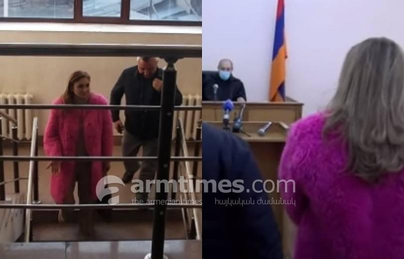 Photo of Պողոս Պողոսյանի սպանության գործով նիստին որպես վկա դատարանում էր երգչուհի Նունե Եսայանը
