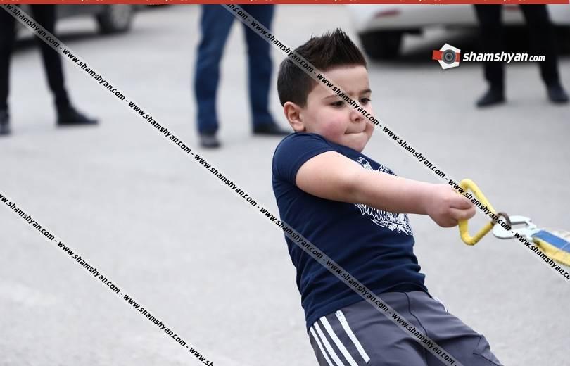 Photo of Մասիսում 5-ամյա Դավիթը 12-րդ անգամ աշխարհի ռեկորդ է սահմանել՝ նվիրելով այն Քյարամ Սլոյանին