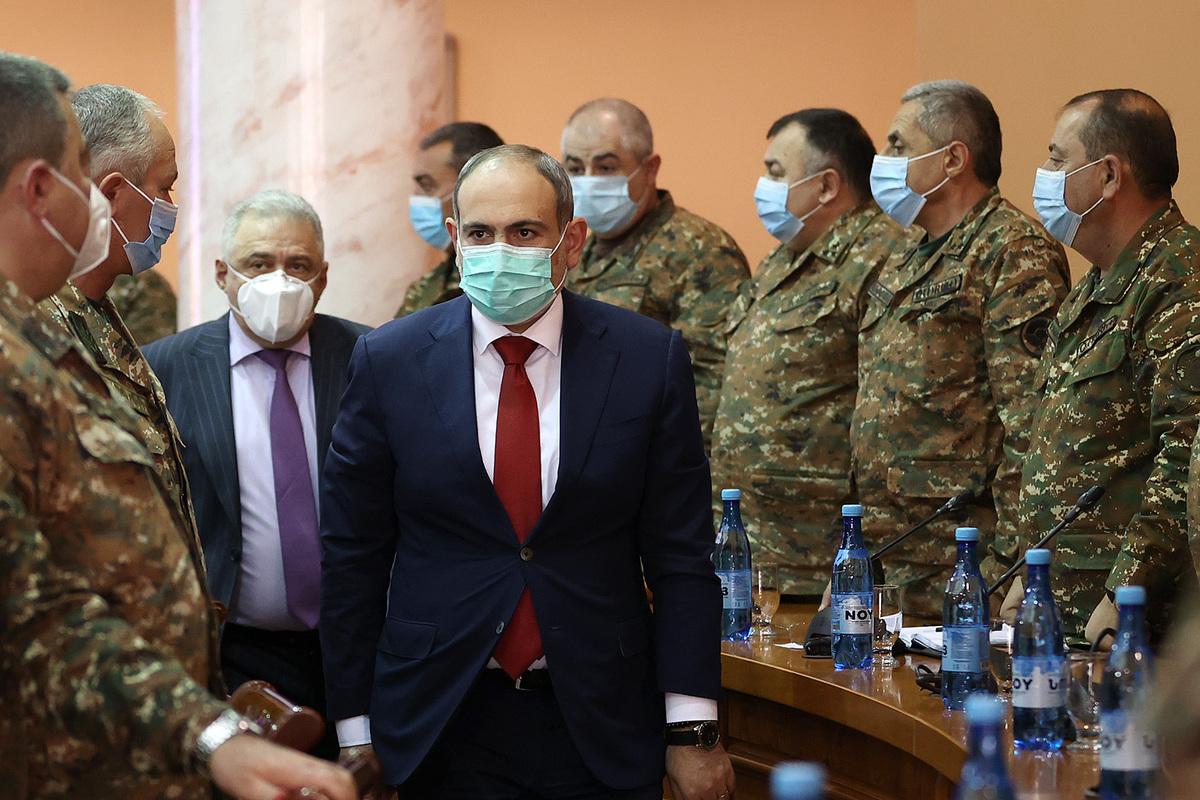 Photo of Միասին շարունակում ենք կրել ընդհանուր պատասխանատվություն և համոզված եմ՝ այն կկրենք պատվով. վարչապետը խորհրդակցություն է անցկացրել ԶՈՒ բարձրագույն սպայակազմի հետ