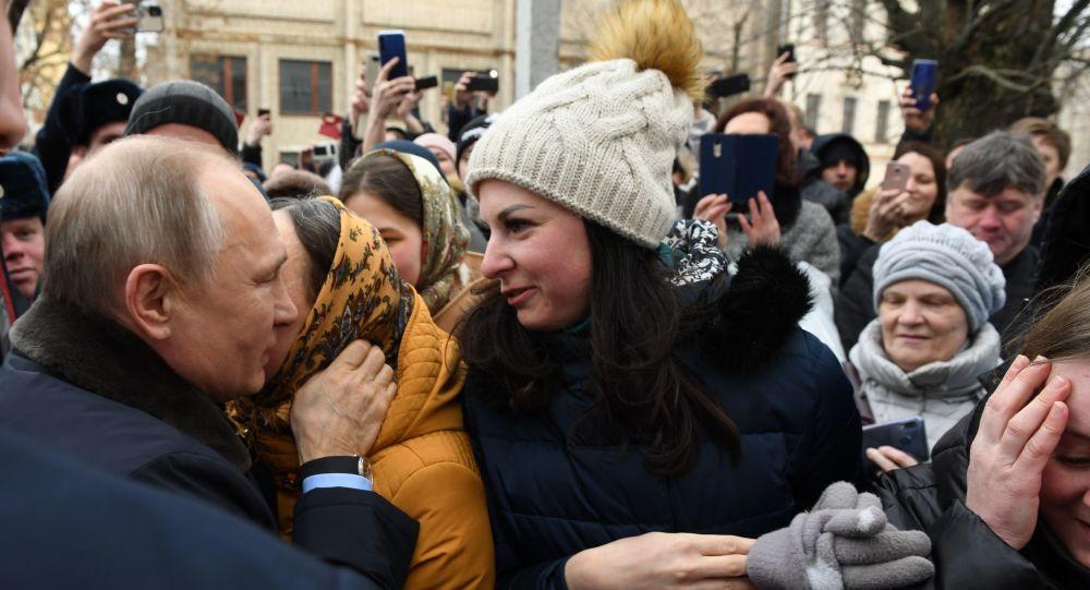 Photo of «Ցավոք, նա ինձ չի զանգել»․ Պուտինին առաջարկություն արած աղջիկը դեռ չի ամուսնացել