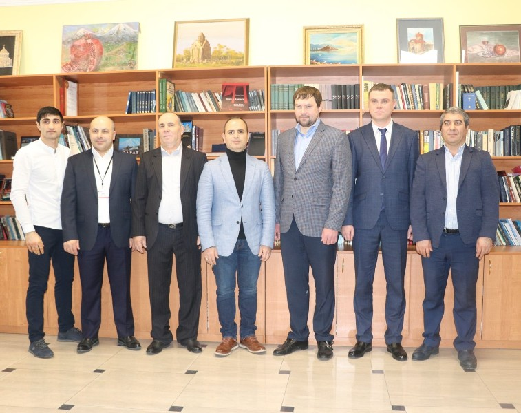 Photo of Գլխավոր հանձնակատար Զարեհ Սինանյանը ՌԴ տարբեր քաղաքներում հանդիպումներ է ունեցել