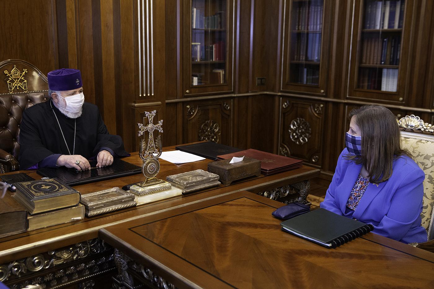 Photo of Ամենայն Հայոց Կաթողիկոսն ընդունեց  ՀՀ-ում ԱՄՆ դեսպանին