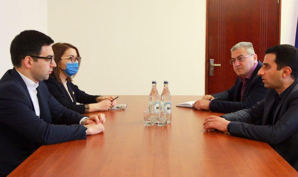 Photo of Հայաստանի և Արցախի արդարադատության նախարարները հանդիպել են