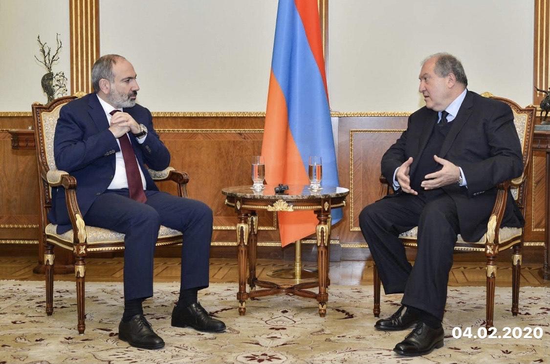 Photo of Նախագահ Արմեն Սարգսյանը հանդիպել է վարչապետ Նիկոլ Փաշինյանի հետ