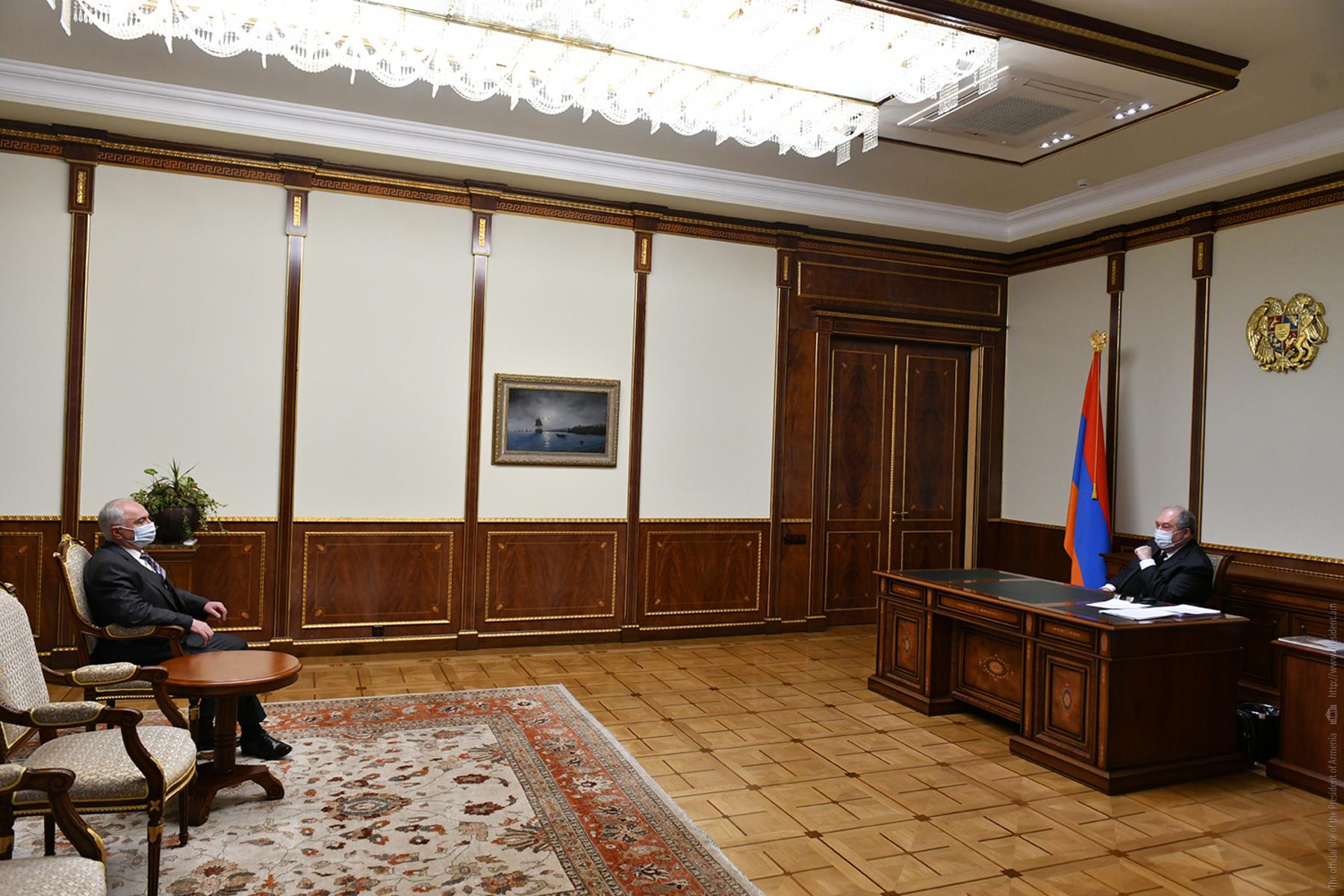 Photo of Արմեն Սարգսյանը հանդիպել է Արամ Սարգսյանի հետ