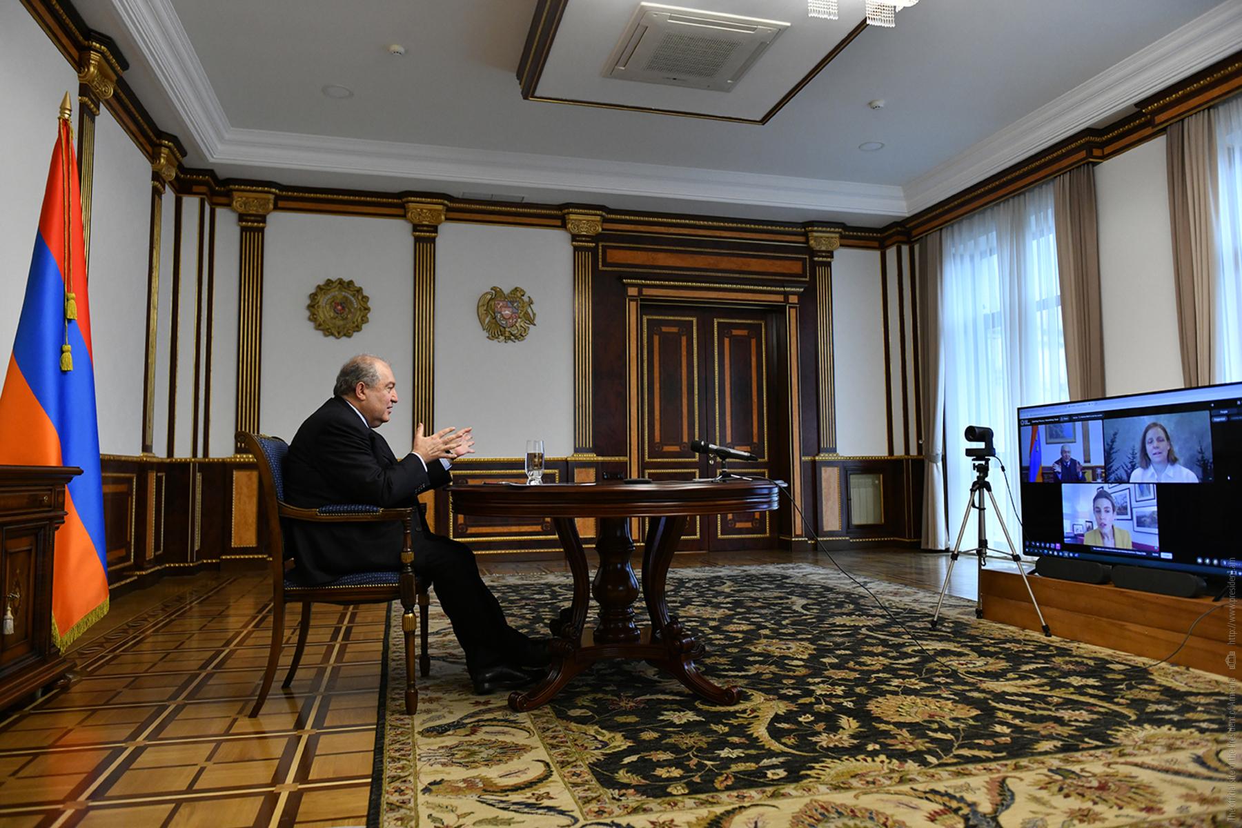 Photo of Նախագահ Արմեն Սարգսյանը ելույթ է ունեցել «Հորասիս» միջազգային հեղինակավոր կենտրոնի արտահերթ հանդիպմանը