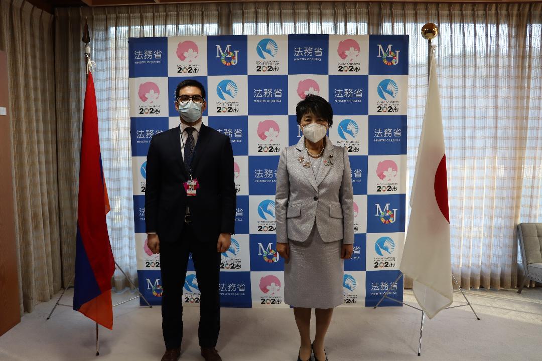 Photo of Հայաստանի և Ճապոնիայի արդարադատության նախարարները հանդիպել են․ ներկայացվել են հայ ռազմագերիների վերադարձի հետ կապված խնդիրները