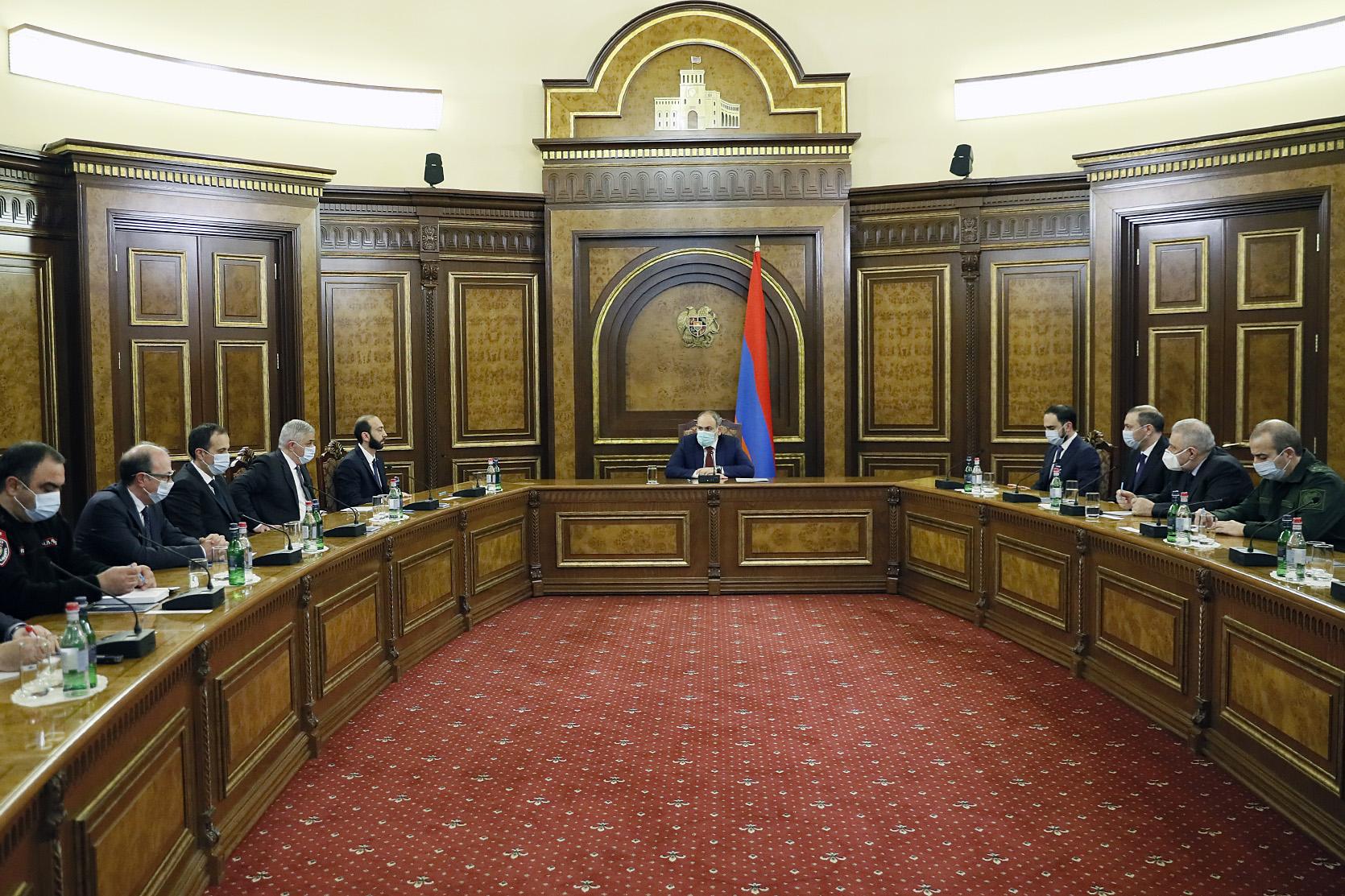 Photo of Совет безопасности осуждает попытки втянуть Вооруженные силы в политические процессы