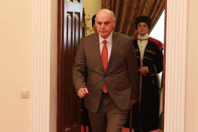 Photo of Աբխազիայի ընդդիմությունը պահանջում է նախագահի հրաժարականը