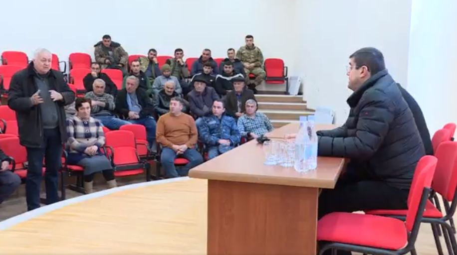 Photo of «Այսօր այցելել եմ Մարտունու շրջանի Կարմիր շուկա համայնք և բնակիչների հետ տեղում քննարկել օրախնդիր հարցերը». Ա. Հարությունյան