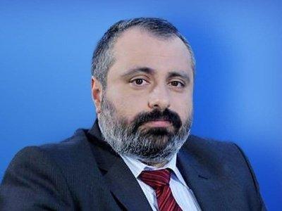 Photo of Глава МИД Арцаха: Азербайджан в оккупированных селах уничтожает память о героях Великой Отечественной войны