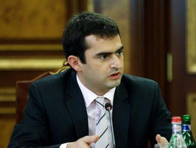 Photo of Հակոբ Արշակյանի կողմից լրագրող Փայլակ Ֆահրադյանի վրա հարձակման մասին հաղորդումը դատախազությունն ուղարկում է ՀՔԾ