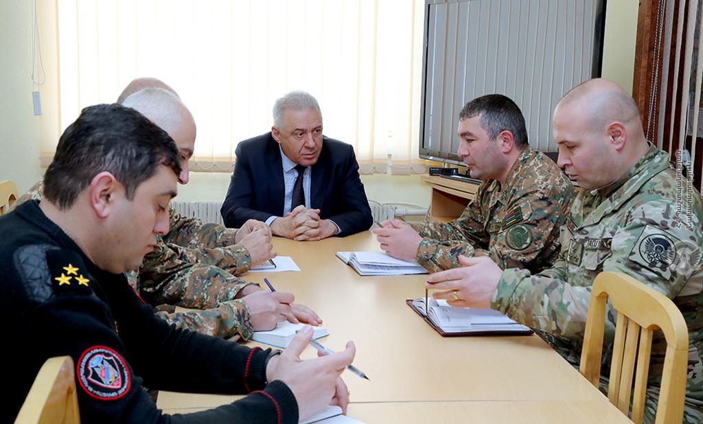 Photo of Министр обороны Армении посетил воинскую часть специального назначения