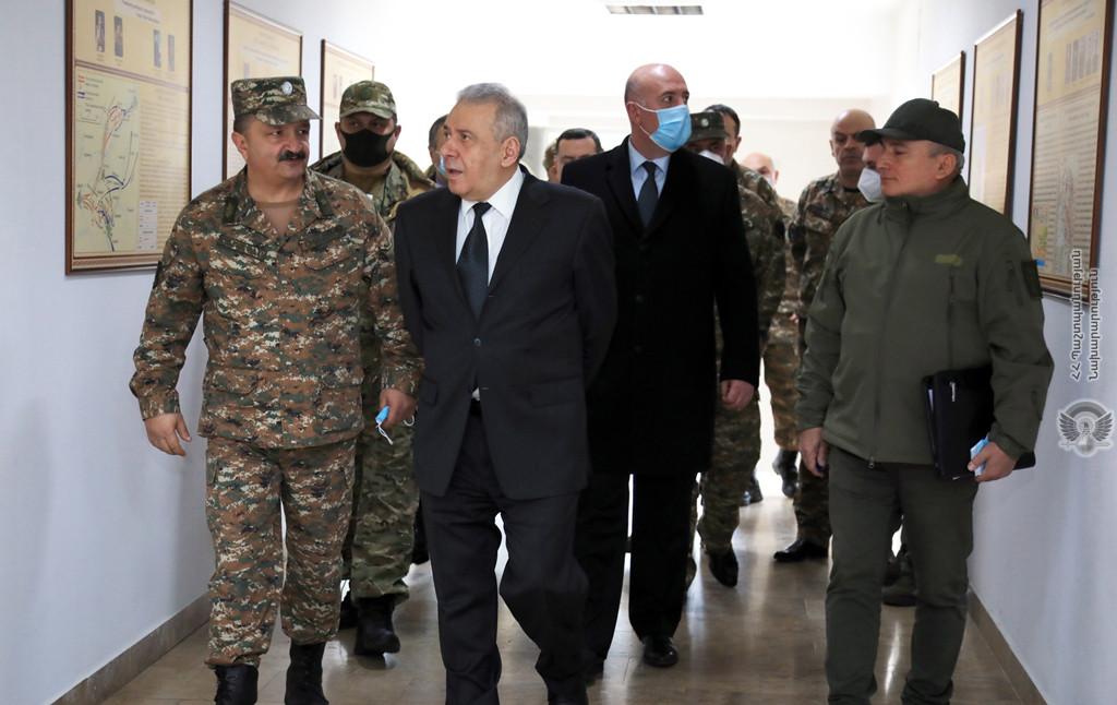 Photo of ՀՀ պաշտպանության նախարարն այցելել է Պաշտպանական ազգային հետազոտական համալսարան