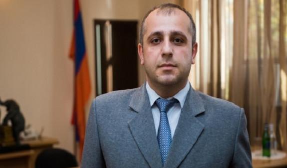 Photo of ԱԱԾ աշխատակիցներն այցելել են դատավոր Մհեր Պետրոսյանին, փորձել մուտք գործել նրա աշխատասենյակ. Փաստինֆո
