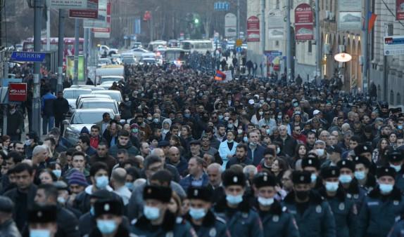 Photo of «Հայրենիքի փրկություն» շարժման քայլերթն ավարտվեց. Կիրակի և երկուշաբթի տեղի են ունենալու մի շարք միջոցառումներ