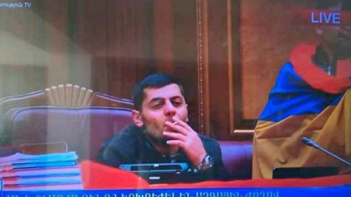 Photo of ԱԺ մուտք գործած երիտասարդին ինքնասպանության հասցնելու գործով վարույթը կասեցվել է