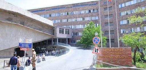 Photo of Мужчина пытался броситься с крыши здания в Ереване, он доставлен в больницу в тяжелом состоянии