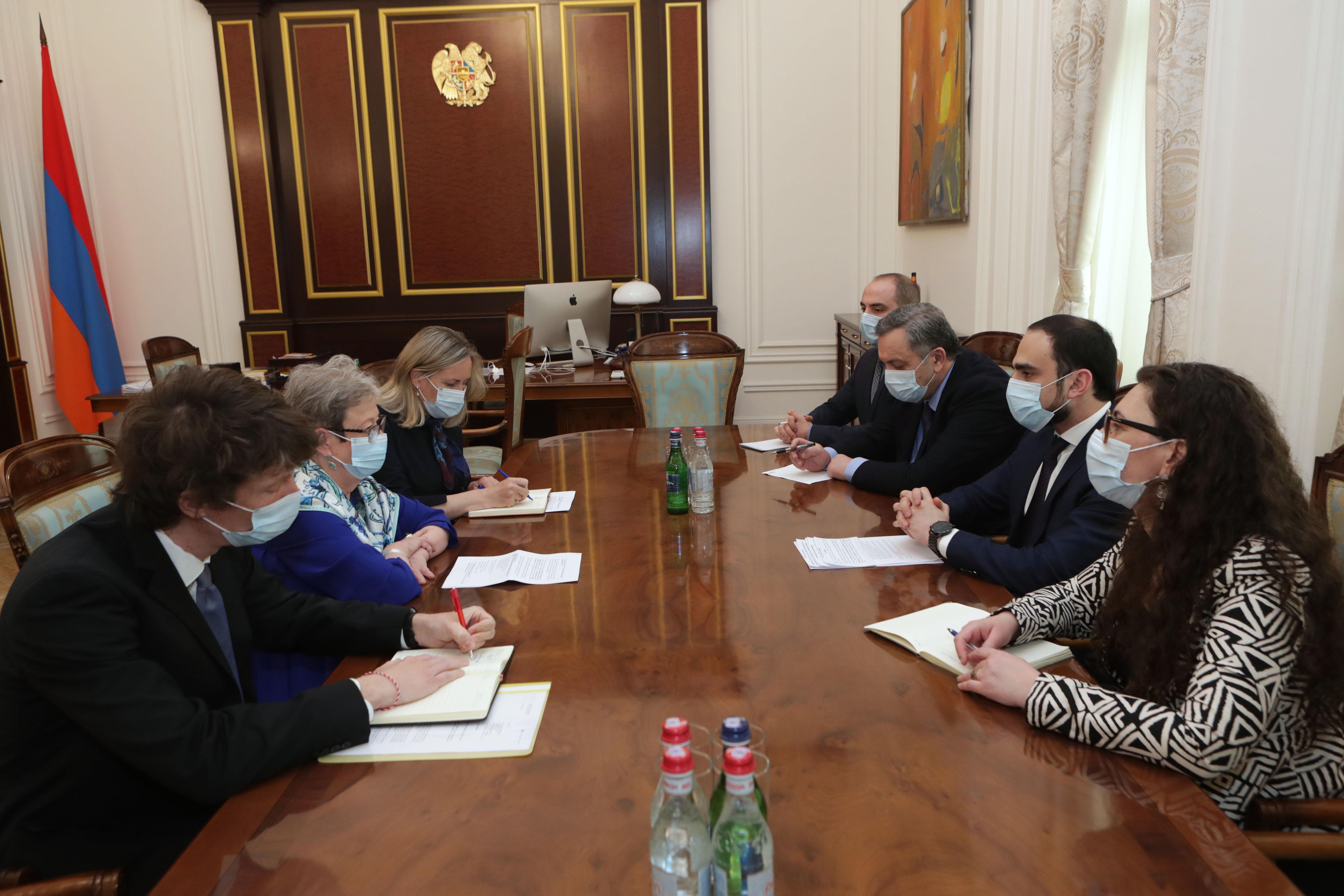 Photo of Вице-премьер Тигран Авинян принял руководителя делегации ЕС в Армении