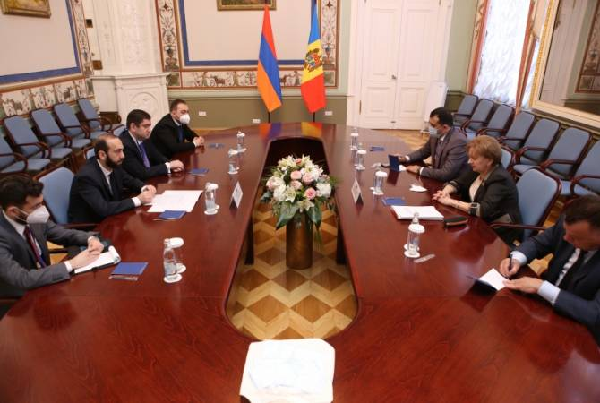 Photo of Արարատ Միրզոյանը Սանկտ Պետերբուրգում հանդիպել է Մոլդովայի խորհրդարանի նախագահի հետ