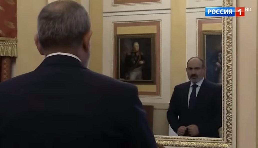 Photo of Что делал Пашинян перед тем, как войти к Путину, и какой бумагой он пользовался; программа «Москва. Кремль. Путин» с подробностями встречи