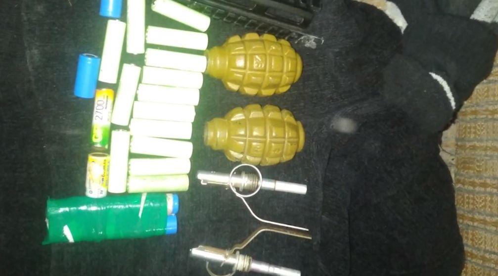 Photo of Մասիսի ոստիկաններն ապօրինի զինամթերք են հայտնաբերել․ հարուցվել է քրեական գործ