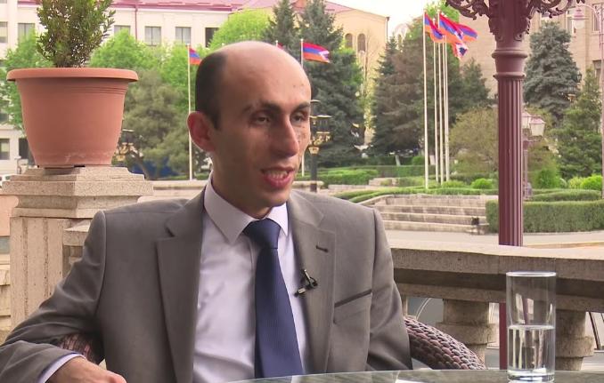 Photo of «Почему бы армянам не возвращаться на свои исторические территории Нахичевань, Шамкор, Гандзак?»: Ответ Артака Бегларяна Алиеву