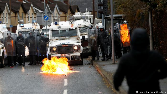 Photo of Беспорядки в столице Северной Ирландии не утихают