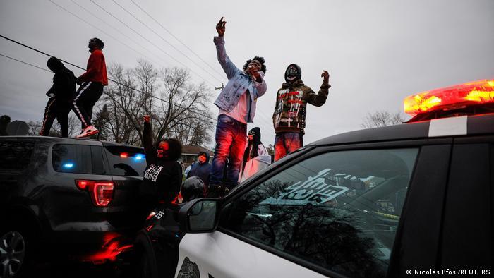 Photo of В США вспыхнули новые протесты после гибели афроамериканца