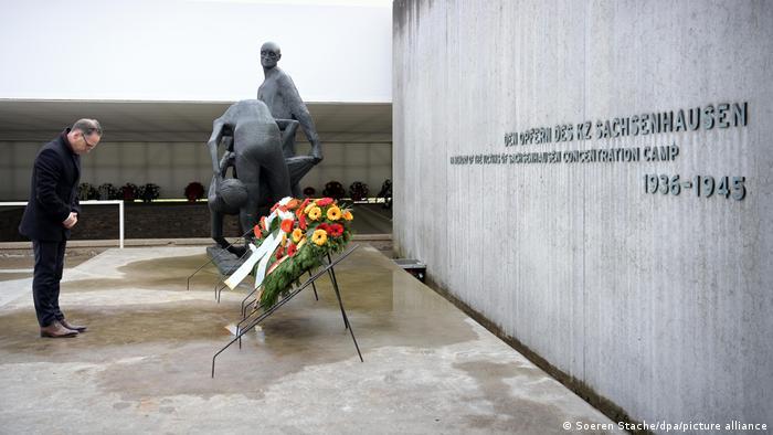Photo of В Германии почтили память узников концлагерей Заксенхаузен и Равенсбрюк
