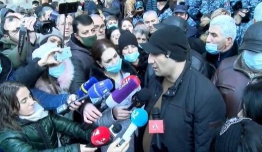 Photo of Родители пленных и без вести пропавших не удовлетворены встречей с Пашиняном: Он не может решить проблему