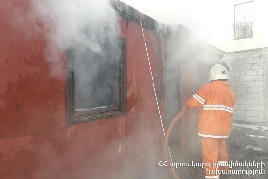 Photo of Սարահարթ գյուղում այրվել է վագոն-տնակ