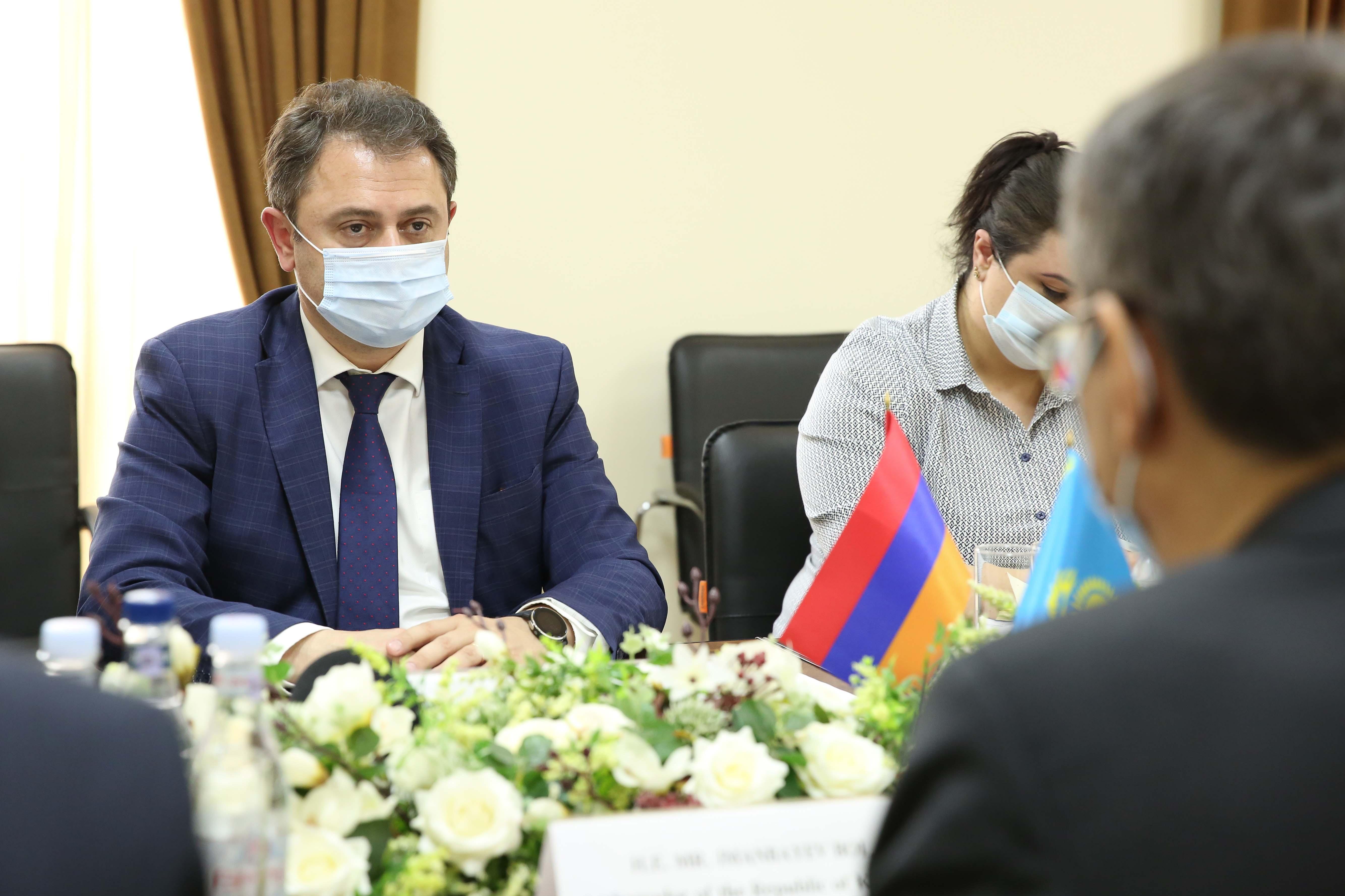 Photo of ՀՀ ԲՏԱ նախարարն ընդունել է Ղազախստանի Հանրապետության արտակարգ և լիազոր դեսպանին