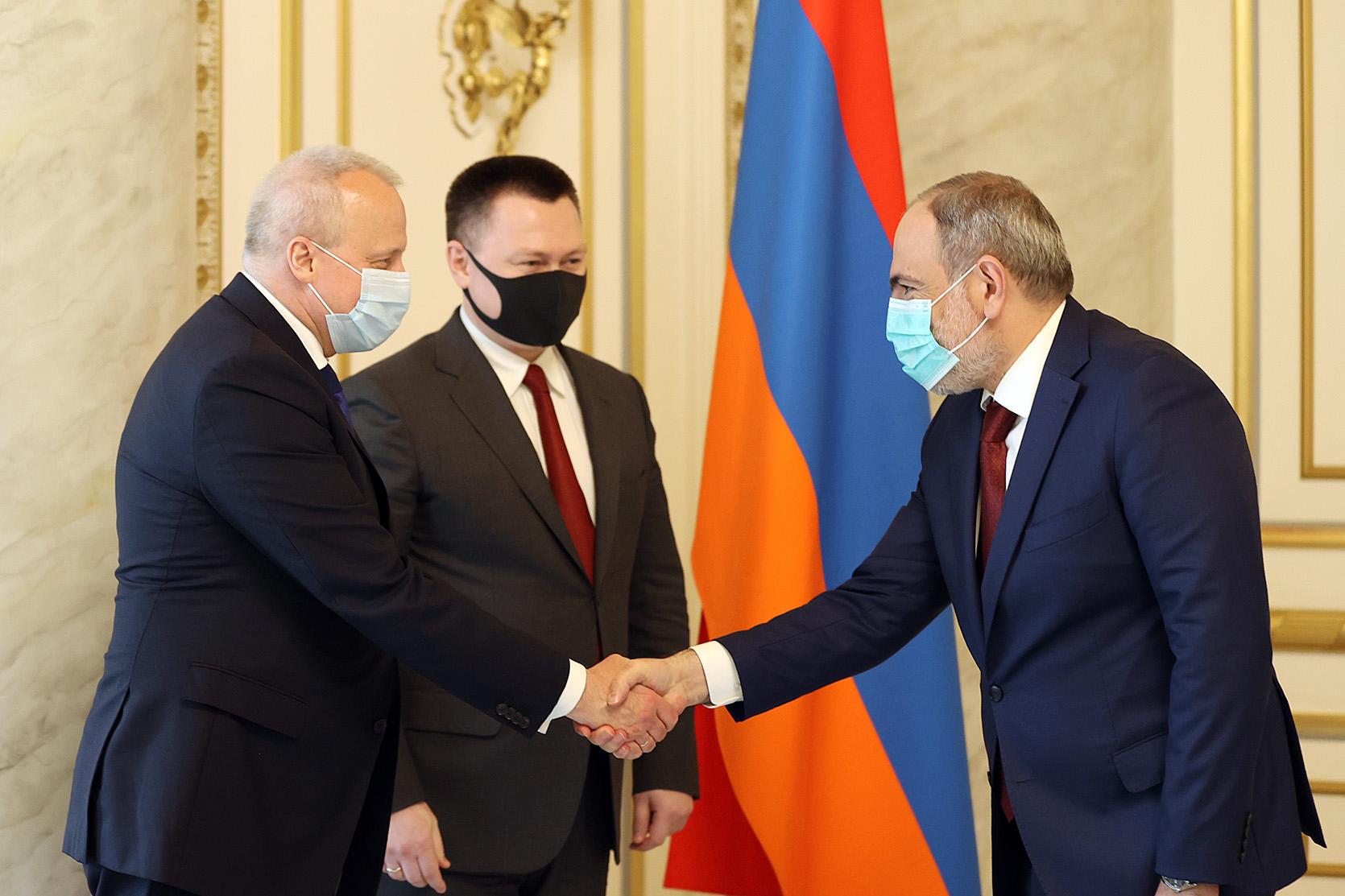 Photo of Премьер-министр принял генерального прокурора Российской Федерации Игоря Краснова