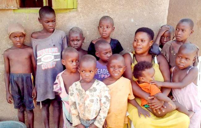 Photo of 44 երեխա՝ 39 տարեկանում. Մարիամն առաջին երկվորյակին լույս աշխարհ է բերել 13 տարեկանում, 2 տարի անց ծնվել է եռյակը, հետո քառյակը… եւ այդպես շարունակ
