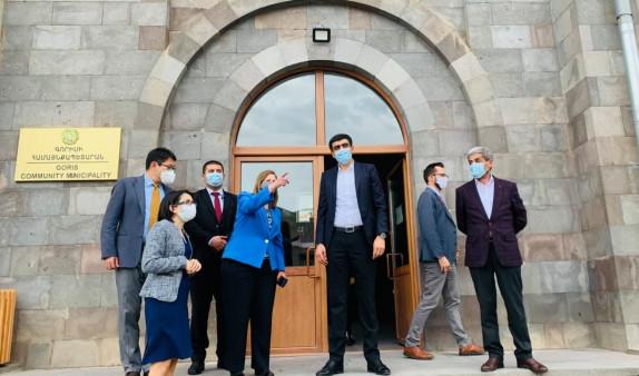 Photo of ԱՄՆ դեսպանը հանդիպել է Սյունիքի մարզպետի եւ համայնքապետերի հետ