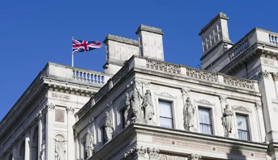 Photo of Британия поддержала Чехию в намерении выслать российских дипломатов