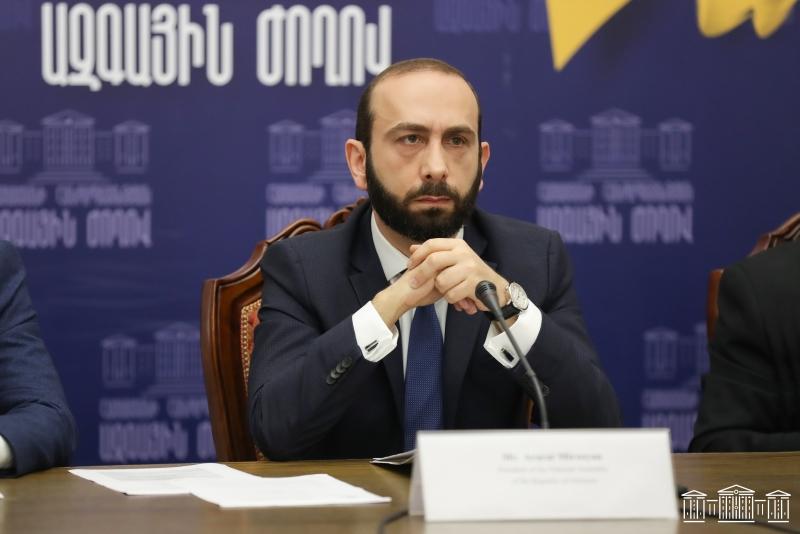 Photo of Азербайджан пытается решить спорные вопросы варварскими, а не цивилизованными методами: Мирзоян