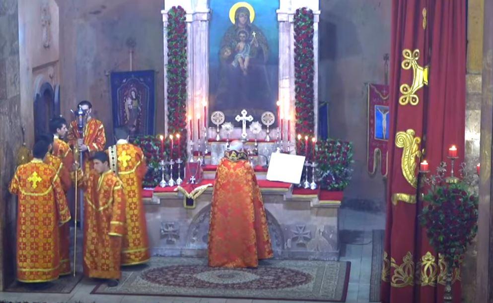Photo of В церкви «Сурб Гаяне» проводится Святая Литургия Сочельника
