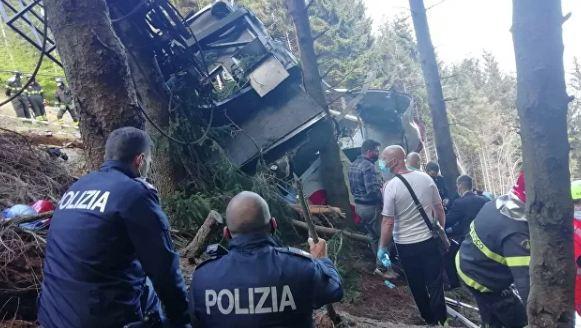 Photo of Число погибших при падении кабины фуникулера в Италии возросло до 12