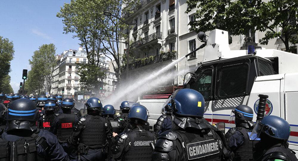 Photo of Полиция Парижа применила водометы для разгона пропалестинской манифестации